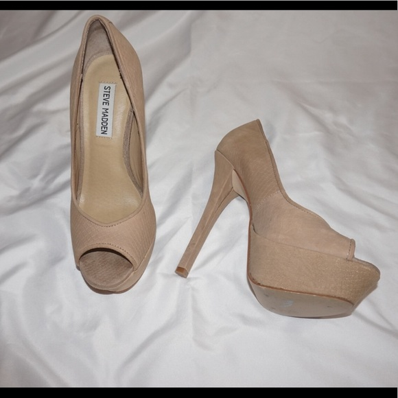 bfe4846c2a73 STEVE MADDEN steleto heals size 7 NUDE